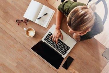 Cada empleado que colabora de manera remota lo hace en su casa o desde un espacio público, como una cafetería