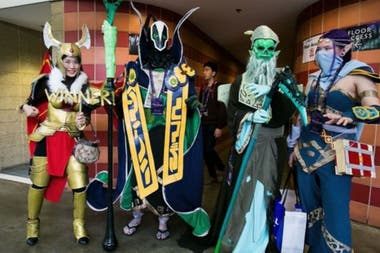 Fanáticos de Dota 2 disfrazados de Cosplay en Seattle, Washington, en The International 2014