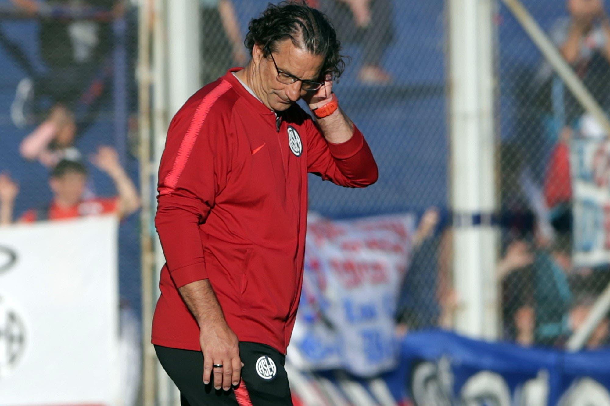 San Lorenzo no tiene paz: perdió 3-1 con Defensa por la Superliga y hubo insultos para todos