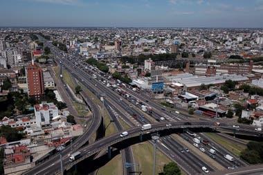 El Gobierno prepara la rescisión de seis concesiones viales y pocas rutas y autopistas quedarán en manos del sector privado