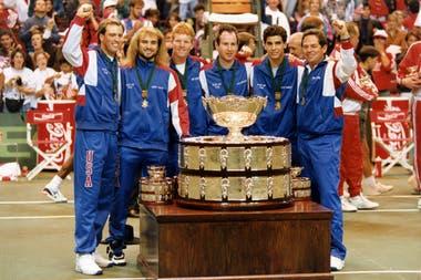 Gorman, a la derecha, fue capitán del EE.UU. campeón de la Davis 1992: Rick Leach, Agassi, Courier, McEnroe y Sampras.