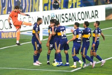 Boca goleó a Huracán 3 a 0, sigue líder y cierra el año con una sonrisa  mientras espera a River - LA NACION