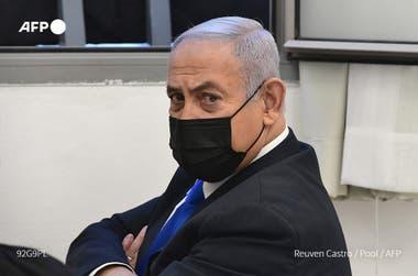 Netanyahu comparece ante la justicia seis semanas antes de las elecciones.