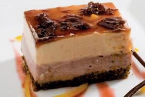 Torta de moras, queso y quinotos