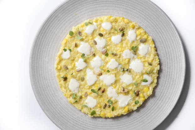 Receta de Risotto de maíz, queso de cabra y semillas de zapallo