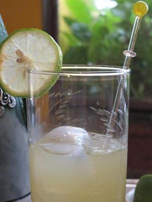 Limancello, o licor de lima para hacer en casa
