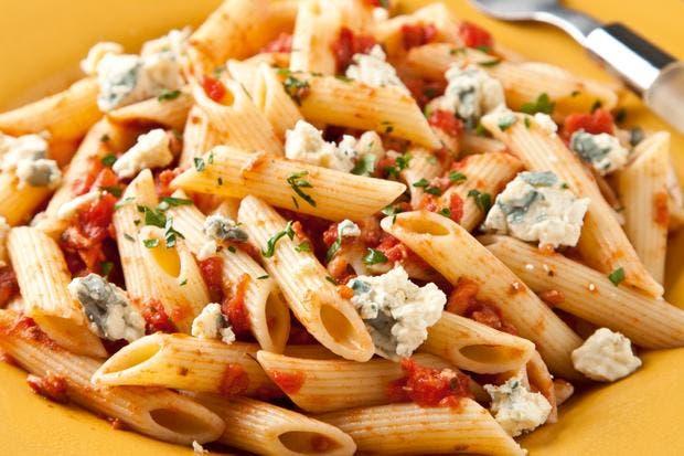 Receta de Pasta con salsa de tomate y queso azul