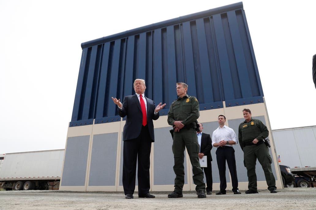 Resultado de imagen para trump elige muro