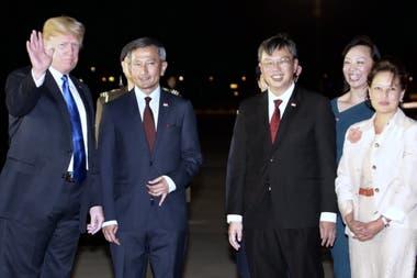 Trump llegó anoche al aeropuerto de Singapur