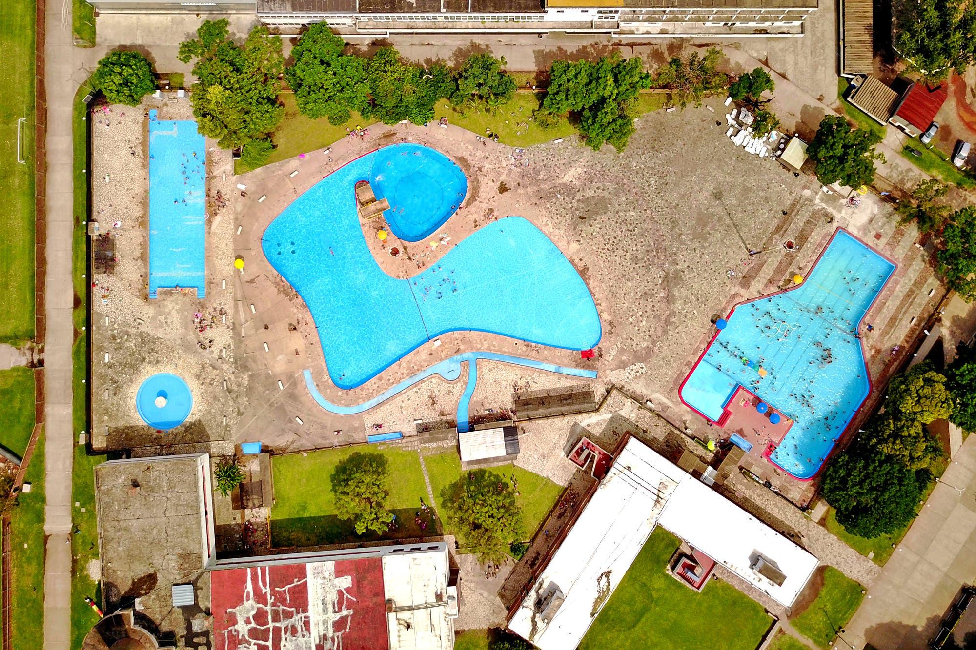 El verano en las piletas de la ciudad, vistas desde un drone