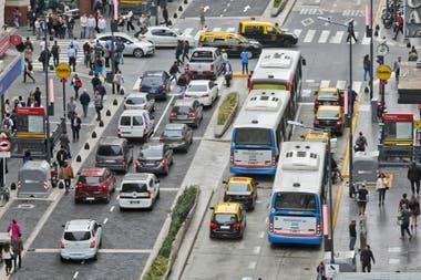 El olor a caño de escape, habitual en las grandes ciudades