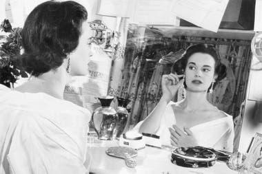 Nacida en Nueva York, el 20 de febrero de 1924, Vanderbilt supo construir un imperio dentro del competitivo mundo de la moda