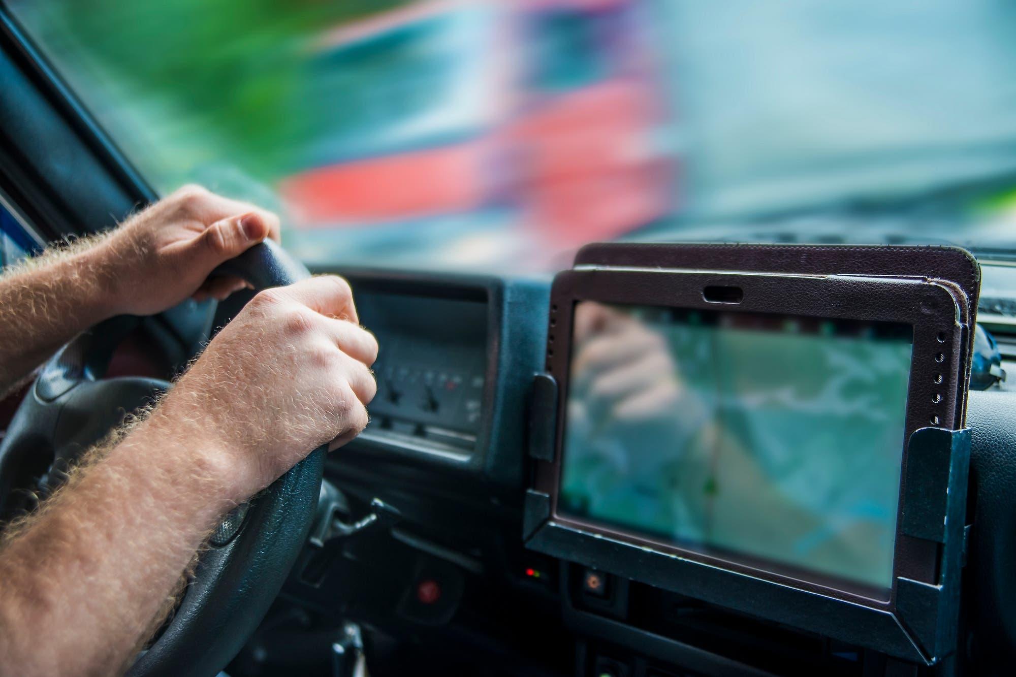 Revelan los datos sensibles de una empresa por los rastreadores GPS que había tirado a la basura