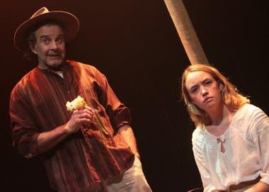Osvaldo Laport y María Gaddi, en Susurro de alas, dirigida por Graciela Pereyra
