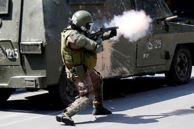 Según el Instituto de Derechos Humanos, al menos cinco personas murieron a manos de militares y carabineros