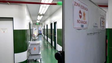 Muchos hospitales aplican protocolos de seguridad para los pacientes con fiebre ante el temor de que tengan covid-19