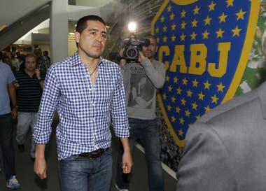 Riquelme todavía no se pronunció públicamente sobre la situación de Tevez