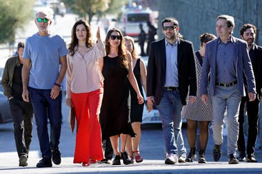 "Actors Dario Grandinetti and Andrea Frigerio, producer Barbara Sarasola-Day, director Benjamin Naishtat and actor Alfredo Castro arrive to a photocall to promote the Official Selection feature film ""Rojo"" at the San Sebastian Film Festival, Spain, September 23, 2018. REUTERS/Vincent West"