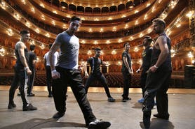 Dances, guests and surprises: the show at the Colón Theater