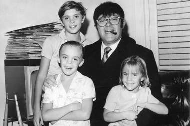 Tato con sus tres hijos: Alejandro, Sebastián y Marina