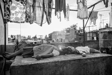 Roma muestra la esencia vigente de una relación laboral y humana compleja, arraigada en la desigualdad de oportunidades