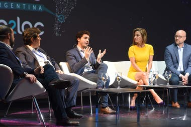 Panel de competitividad en la Cumbre Global de Servicios Digitales