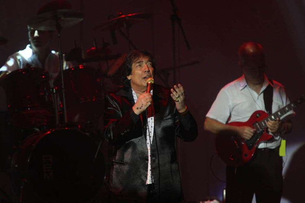 A los 77 años murió el gran Cacho Castaña, cantor y poeta de Buenos Aires (Video) 3084371w1033