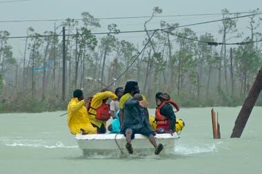 """Un evento climático catastrófico puede provocar un """"efecto cascada"""" en el sistema financiero"""