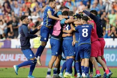 El festejo de los jugadores de Kosovo: llevan 15 partidos invictos.