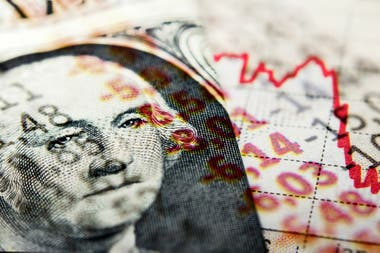 El dólar mayorista avanza