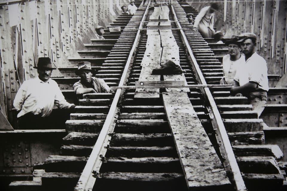 Resultado de imagen para Se restauró el centenario galpón que alberga el Museo Nacional Ferroviario en Retiro