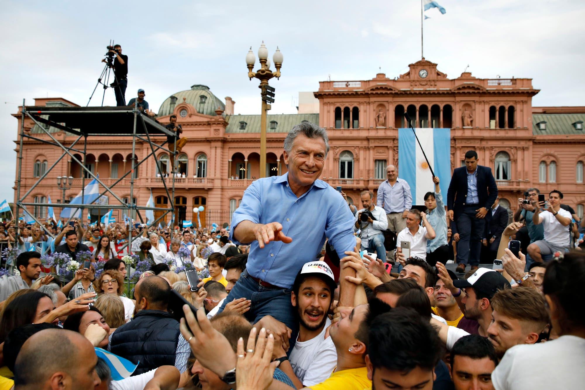 En fotos: los carteles de la despedida de Mauricio Macri