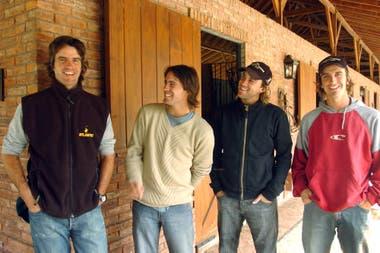 Matías Mac Donough en 2005, con Facundo y Gonzalito Pieres y su hermano Pablo Mac Donough