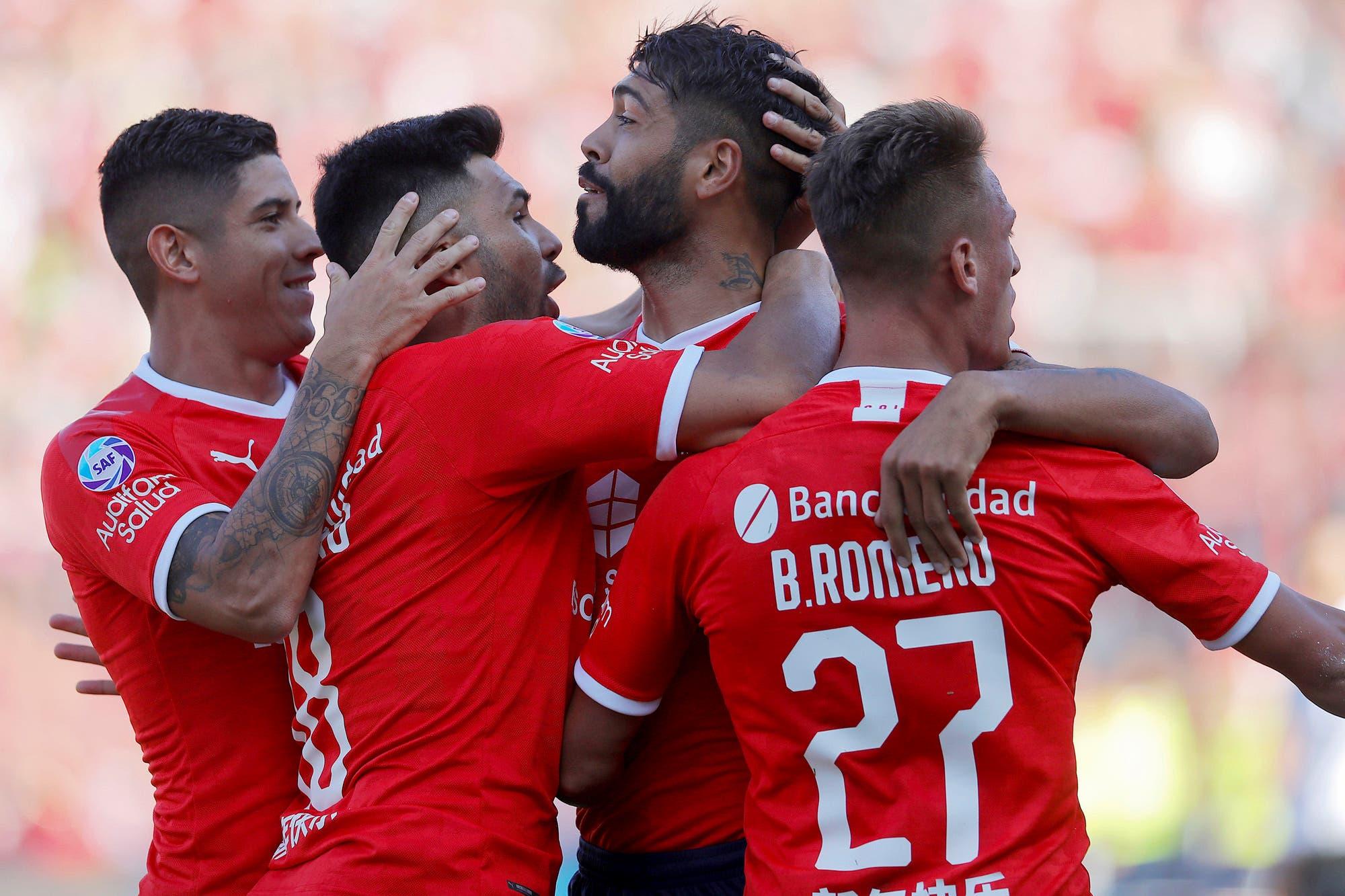 El primer triunfo de Independiente con Pusineri como DT: goleó 5-0 a Rosario Central con un fútbol de alto vuelo