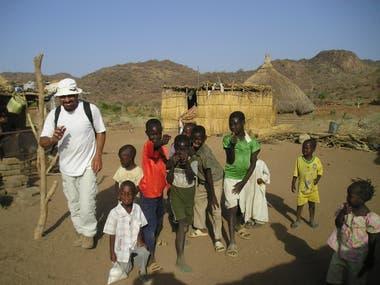 En Sudán, una foto con los chicos