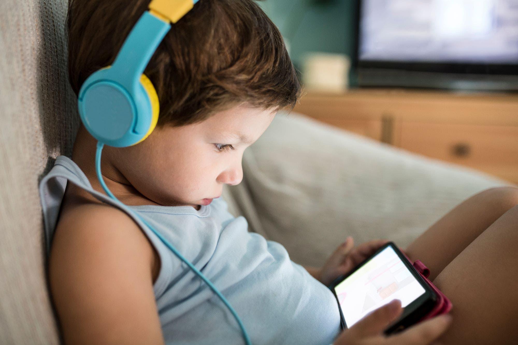 """Hiperconectividad en pandemia: hay que redefinir a qué nos referimos con la """"cultura pantalla"""""""