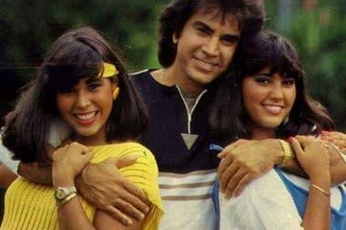 El Pumar Rodríguez junto a sus hijas mayores cuando aún tenían una buena relación