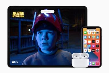 Con iOS 14 los AirPods pueden cambiar de vinculacin en forma automtica entre dispositivos segn cul se est usando iPhone iPad o Mac y suma audio espacial similar al sonido envolvente