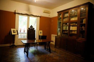 La biblioteca, el mobiliario y los objetos de Oliverio Girondo y Norah Lange forman parte del Museo de Arte Hispanoamericano Isaac Fernández Blanco