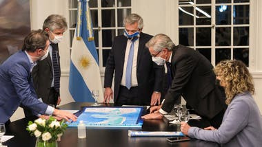 Alberto Fernández firmó una ley para incorporar a la cartografía oficial del país los nuevos límites externos de la plataforma continental, aprobados por la ONU