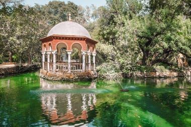 El parque María Luisa es el primer parque urbano de Sevilla y uno de sus pulmones verdes. En 1983 fue declarado Bien de Interés Cultural en la categoría de Jardín Histórico.