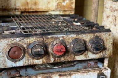 El antiguo horno de cocina hallado en la vivienda abandonada