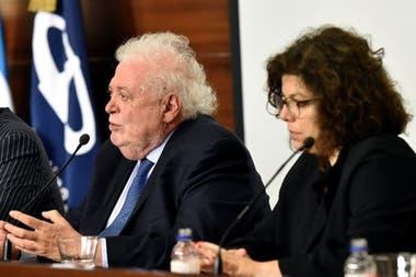 Carla Vizzotti respondía a Ginés González García. Además de que hasta ayer era su jefe, él la conoce desde que nació; era compañero de estudios de su padre