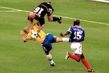 El choque con Fabian Barthez lo dejó nocaut por un buen rato