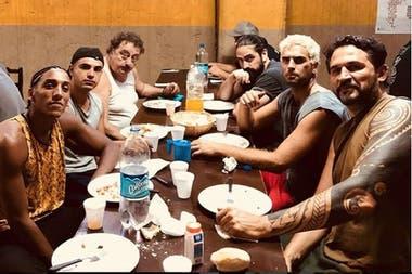 Seguridad de Los Ramones, jugador de básquet, tapicero y actor
