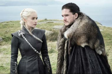 Emilia Clarke y Kit Harington en una imagen de la octava temporada de Game of Thrones