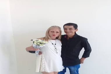 Leonor Báez y Héctor Ramírez, el día de su casamiento.
