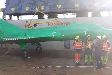 El traslado a la Base Aeronaval Comandante Espora será por tierra y estará a cargo de la empresa Compañía Americana de Transporte