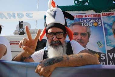 Desde temprano seguidores de Alberto Fernández comenzaron a llegar al Congreso