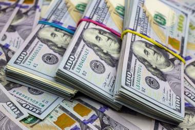 El dólar mayorista avanzaba